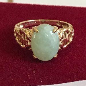 """Beautiful 10K Gold Jade """"Good Fortune"""" Ring"""